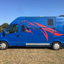 3.5T Crew/Twin Cab Renault Master, 12m MOT, only 78K miles