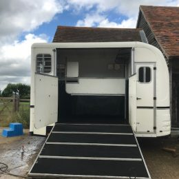Lovely 'Space M' Equi-Trek white trailer, rear facing and side-loading, two horse capacity