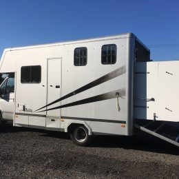 Ford Iveco 2 horse lorry 6.5t