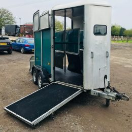 Ifor Williams 505R Hunter in green